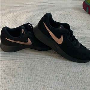 NIKE Tangun women's athletic shoes